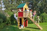 WINNETOO Spielturm mit pflegeleichten Wandelementen