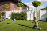 LONGLIFE RIVA Weiß als pflegeleichte Gartenabtrennung