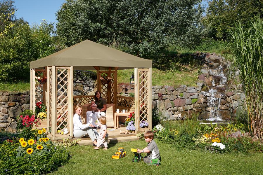 LINDGREN Pavillon mit GADA Rankgittern und Sonnendach